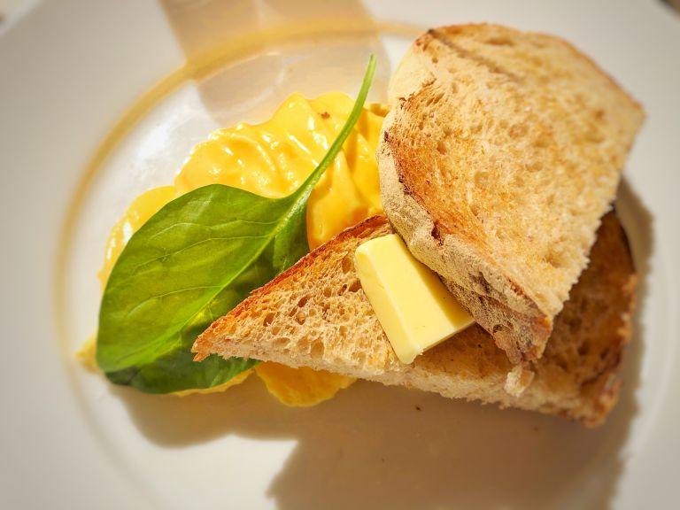 bills七里ヶ浜店 スクランブルエッグ&トースト 世界一の卵料理